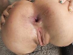 Sexy bitch Mia Bangg opens her gaping dirty ass