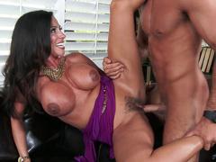 Guy fucks Latina stepmom Ariella Ferrera with huge chest on couch