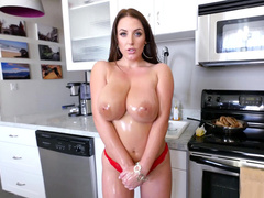 Natural MILF Angela White pours water on XXX-sized hooters flaunting them