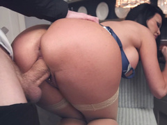 Butler with giant penis impales excited mistress Jasmine Jae in room