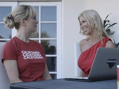 An eventful massage session with Elsa Jean and Alexis Fawx