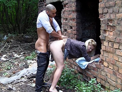 Blodne hottie gets her tight ass hole public fucked