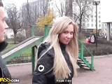 Blonde goes for the outdoor blowjob