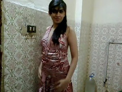 Pakistani Solo Teen Babe Madiha Khan Sex Scandal