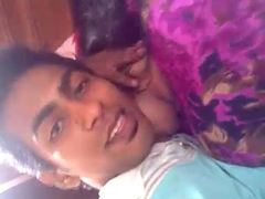Lucknow University Young Amateur Couple Sex MMS