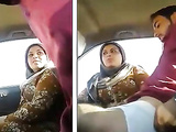 Pakistani couple Sucking n fucking in Car