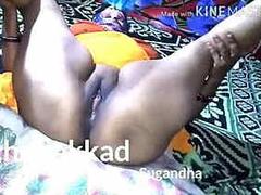 Nitu bhabhi ki chut angoothe se chudte hue and blowjob