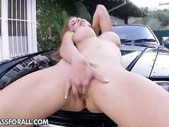 Kinky Alexa Nicole adores teasing her perfect body